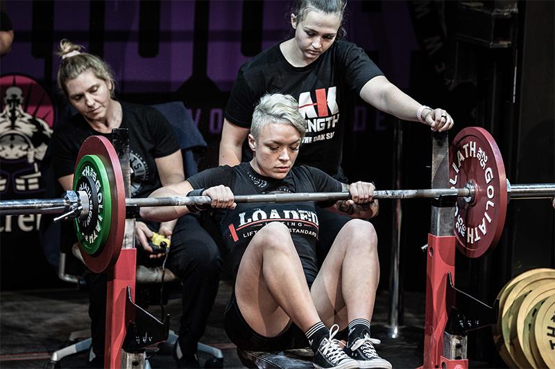 dakoda strength coach melbourne doncaster weightloss, lifting, woman bench press
